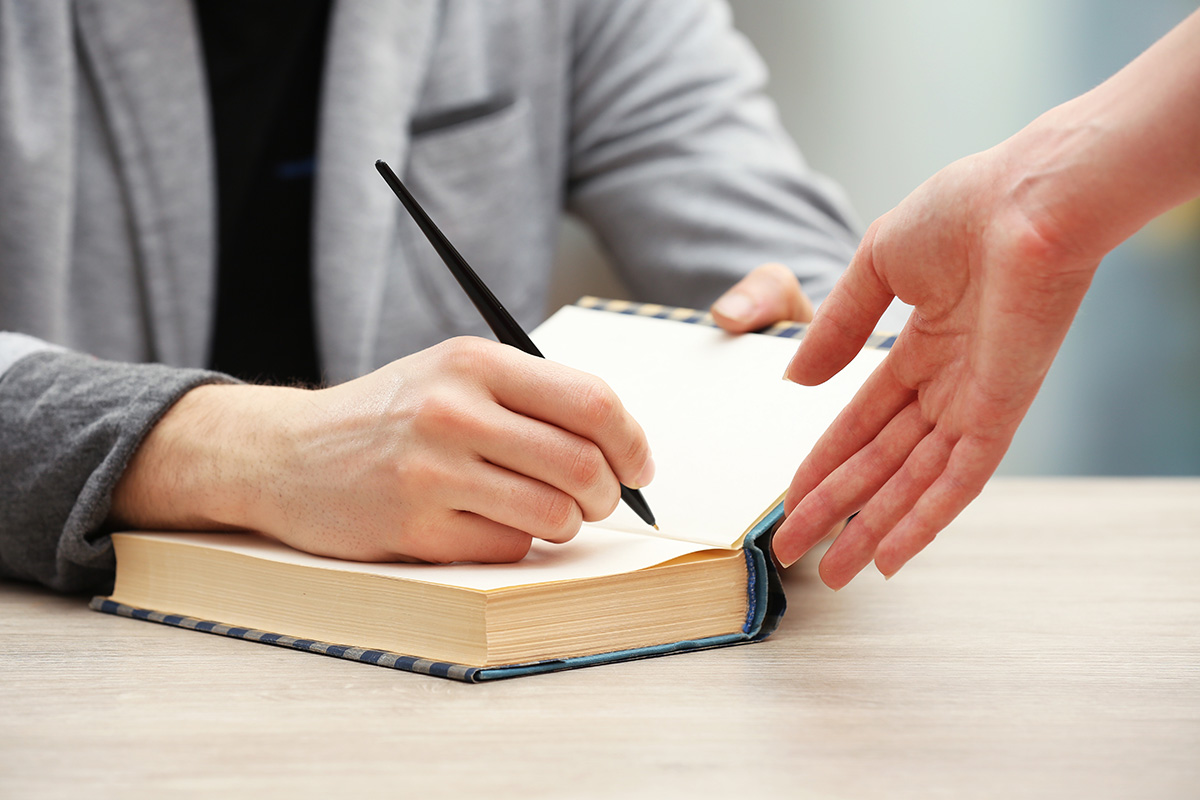 Author: Arranging A Book Signing: Do's And Don'ts « Sheri Gormley